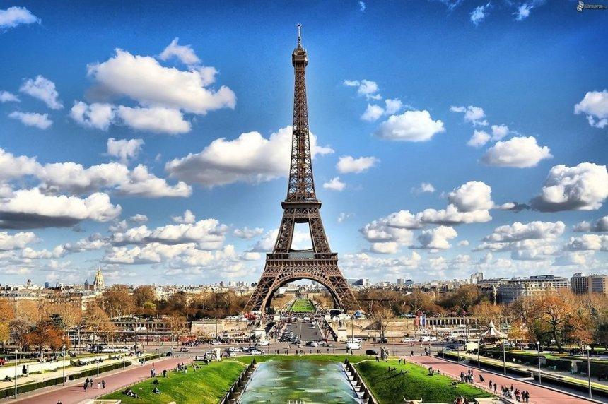 Eiffel+Tower